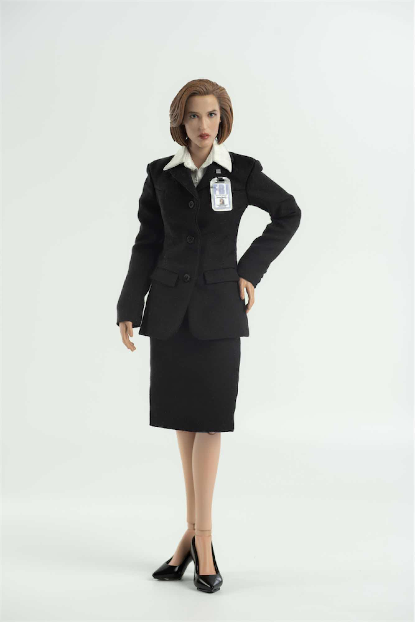 AGENTE SCULLY STANDARD VER. FIGURA 28 CM 1/6 SCALE COLLECTIBLE FIGURE THE X FILES