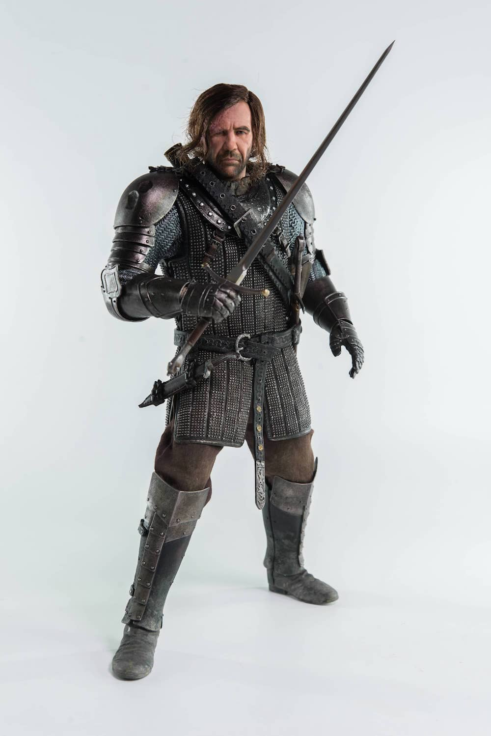 SANDOR CLEGANE EL PERRO  FIGURA 33 CM GAME OF THRONES THREEZERO