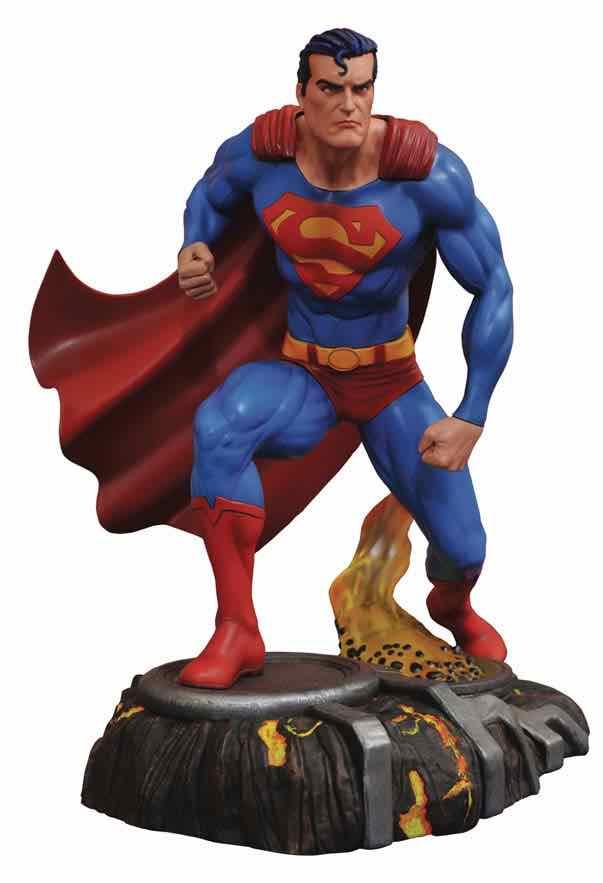 SUPERMAN FIGURA 25 CM SUPERMAN PVC DIORAMA DC GALLERY UNIVERSO DC