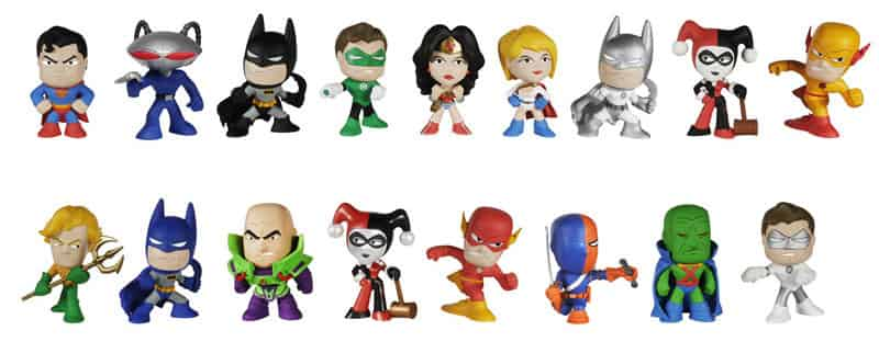DC UNIVERSE -  DISPLAY 12 MYSTERY MINI - SERIES 2 - FIGURES 6 CM
