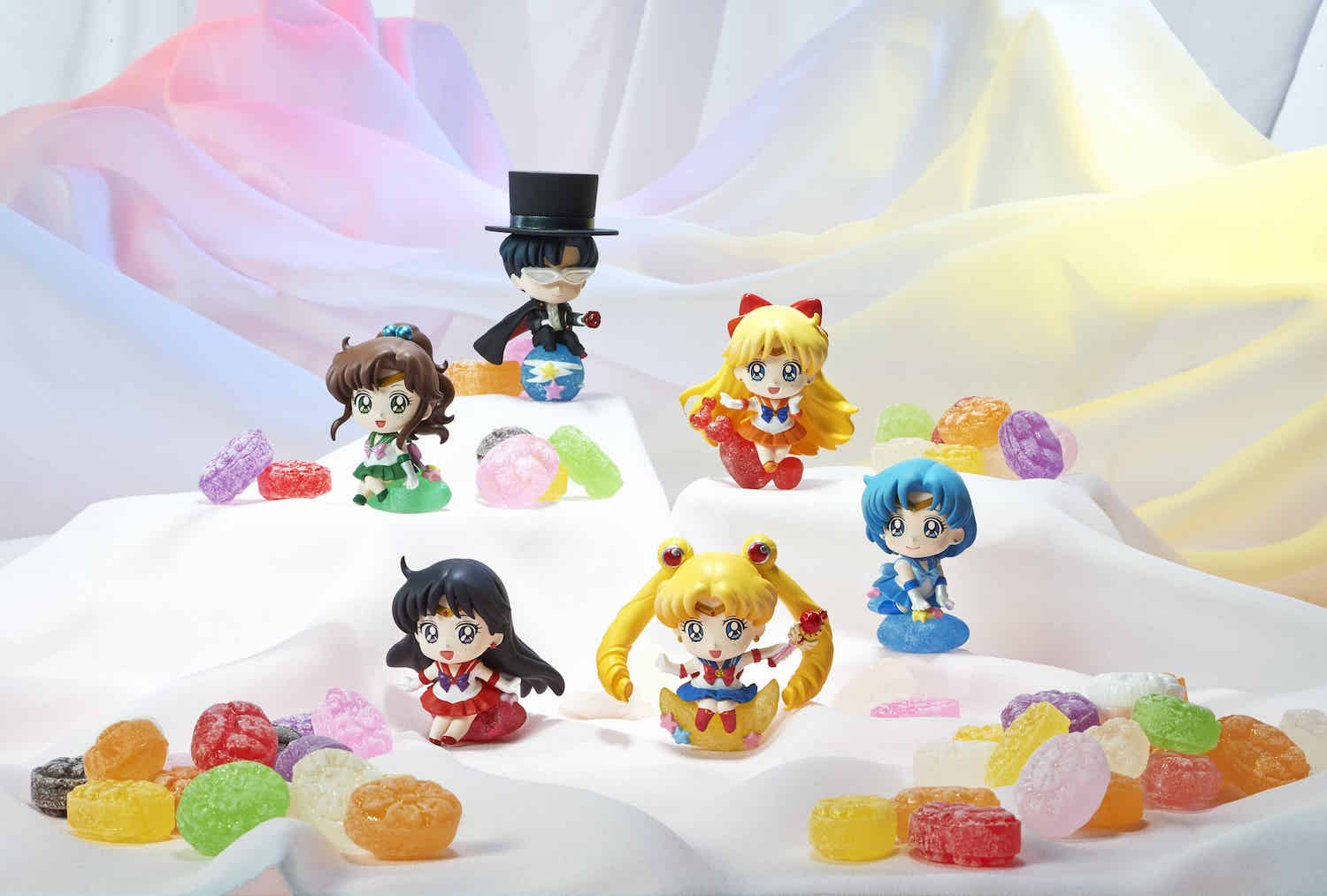 PRETTY SOLDIER SAILOR MOON MAKE UP WITH CANDY! DISPLAY 6 FIG 6 CM PETIT CHARA