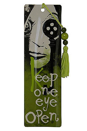 """KEEP ONE EYE OPEN"" PUNTO DE LIBRO CORALINE"